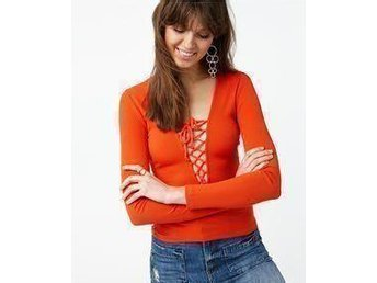 Tröja topp Gina tricot , Henna topp med snörning storlek M - röd / orange - Gävle - Tröja topp Gina tricot , Henna topp med snörning storlek M - röd / orange - Gävle