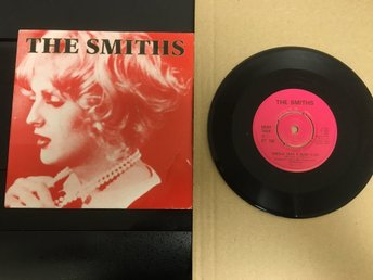 "THE SMITHS / ""SHEILA TAKE A BOW"" IS IT REALLY SO STRANGE?"" VINYL SINGEL RARE."