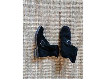 Svarta mjuka mocka boots, stl 37