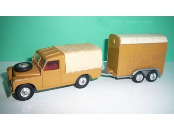 Land Rover & Rices Pony Trailer - Corgi Toys Gift Set No. GS2