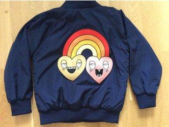 Ny jacka Mini Rodini 104/110 rainbow - Upplands Väsby - Ny jacka Mini Rodini 104/110 rainbow - Upplands Väsby