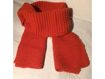 Ny handstickad orange halsduk i 100% alpacka ullgarn. - Junsele - Ny handstickad orange halsduk i 100% alpacka ullgarn. - Junsele