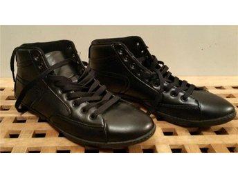 1 par Svarta Attitude Sneakers Från Din Sko Dam Stl. 41 NYA - Linghem - 1 par Svarta Attitude Sneakers Från Din Sko Dam Stl. 41 NYA - Linghem