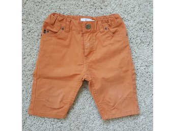 Orange shorts stl 98 (stor 92) Jeansshorts Åhléns