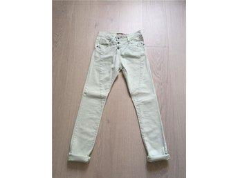 Fina Please jeans i stl XXS i nyskick - Höllviken - Fina Please jeans i stl XXS i nyskick - Höllviken