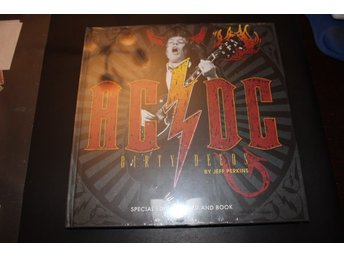 Special edition 4 DVD and book - AC/DC - Dirty Deeds (NY, INPLASTAD!)