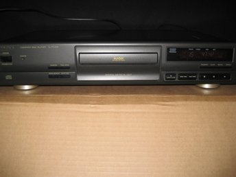 Technics Compact Disc Player SL-PG390