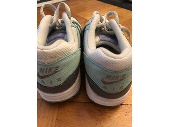 Snygga sneakers från NIKE air max thea size 40 .. (352064647