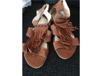Nya sandaler, mocka imitation, fransar, gypsy, bohem - Vällingby - Nya sandaler, mocka imitation, fransar, gypsy, bohem - Vällingby