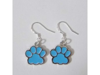 Tass örhängen / Paw earrings