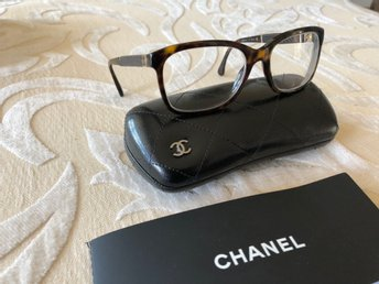 Chanel glasögon