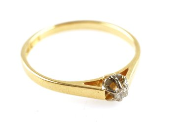 RING, 0,01ct, 18K, 16,32mm, 1,52g, guld, enstensring, briljant. b: 1,6-4mm.