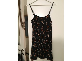 HM Divided black and floral dress