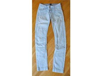 Sisters point jeans stl. 27 FINT SKICK - Trelleborg - Sisters point jeans stl. 27 FINT SKICK - Trelleborg
