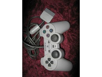 PLAYSTATION ONE KONTROLL SONY (DEFEKT)