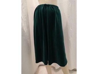 Vintage retro klockad kjol grön plysch fickor resår i midjan 70 tal 60 tal