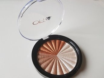 Ofra cosmetics x Nikkitutorials highlighter Everglow NY