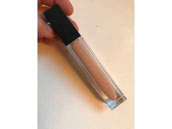 Make up store Nyvara! Smooth cover - beige
