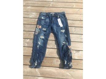 Javascript är inaktiverat. - Malmö - Helt nya sommar jeans från Lexxury str S passar en str 36 nypris 599kr - Malmö