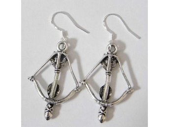 Pil och båge örhängen / Bow and arrow earrings