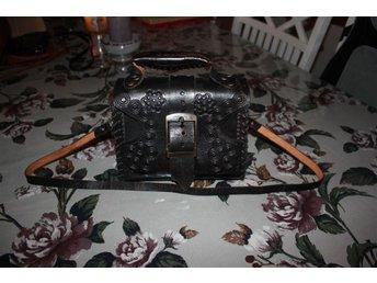 handgjord läderväska svart - Mölndal - handgjord läderväska svart - Mölndal