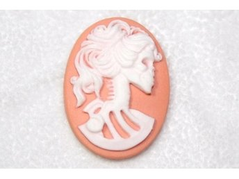 Cameo 25x18mm SKALLE Corall / White - 2 st