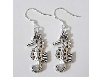 Sjöhäst örhängen / Seahorse earrings