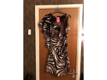 a412b0d32862 Ovanlig sött kort klänning med nitar storlek XL (337405704) ᐈ Köp ...