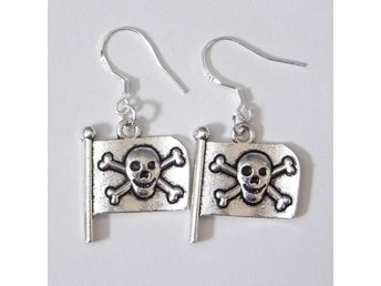 Piratflagga örhängen / Pirate flag earrings