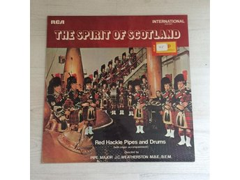 THE SPIRIT OF SCOTLAND - RED HACKLE PIPES AND DRUMS. (LP)