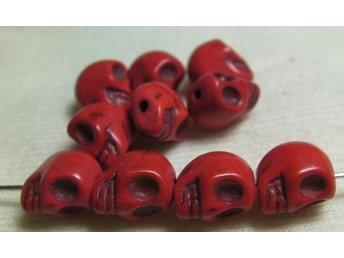 Döskallar Synthetic Howlite 9x7.5mm ** Röd ** 20 st