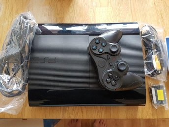 Playstation 3 konsoll med 2 spel