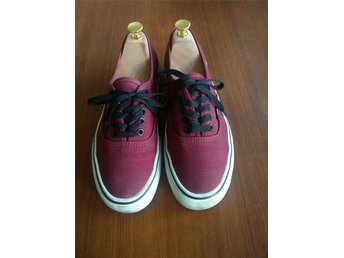 Vinröda Vans authentic strl 40