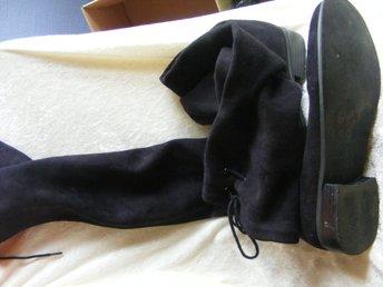 lårhöga stövlar i mjuk mocka stl 38 Nelly