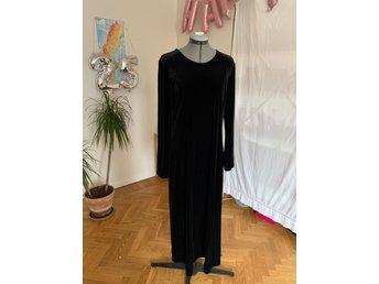 Svart sammet klänning från Lindex (418077176) ᐈ Köp på Tradera