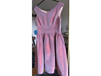 37637fecdf7d Rockabilly Kläder ᐈ Köp Kläder online på Tradera • 1 226 annonser