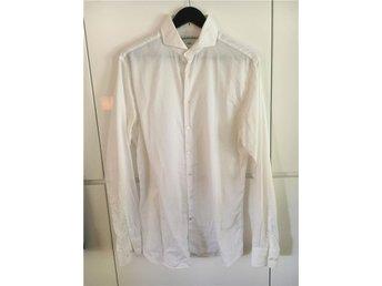 500 kr - Vit skjorta med Cut Away krage från The Shirt Factory, strl 41. - Bromma - 500 kr - Vit skjorta med Cut Away krage från The Shirt Factory, strl 41. - Bromma