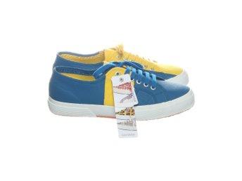 624ca344 Superga, Sneakers, Strl: 42, Blå/Gul (346918803) ᐈ Sellpy på Tradera