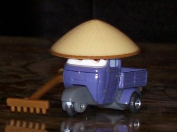 Cars 2 / Bilar / Disney Pixar -  Zen Master Pitty  B20