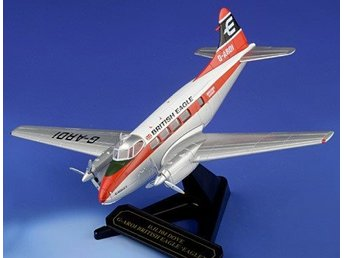 Oxford DH Dove airliner - 1/72 scale. Nice!