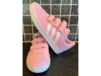 Nya ljusrosa rosa Adidas originals skor i stl 3.. (396686988