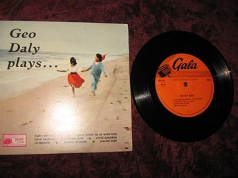 GEO DALY EP-LP 33 1/3 (CAN'T BUY ME LOVE-I ONLY WANT TO BE WITH YOU-PAPA PALAVAS - Katrineholm - GEO DALY EP-LP 33 1/3 (CAN'T BUY ME LOVE-I ONLY WANT TO BE WITH YOU-PAPA PALAVAS - Katrineholm