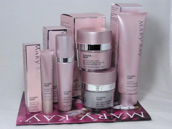 MARY KAY. TimeWise Repair Volu-Firm Set.....EXP: 2019-2020 years