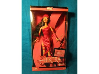 ***WOOW**HTF BARBIE AS ELEKTRA NRFB (MARVEL) **VINTAGE**