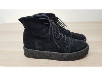 Snygga vinterskor stl 37 svarta fodrade skor