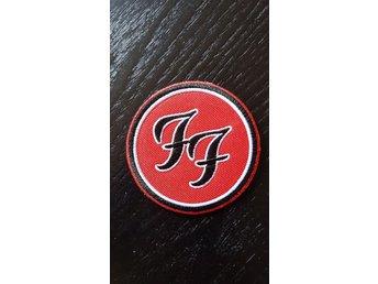 Foo Fighters broderat märke patch tygmärke 7cm påstrykes eller sys fast - Borlänge - Foo Fighters broderat märke patch tygmärke 7cm påstrykes eller sys fast - Borlänge