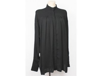 & OTHER STORIES TOP BLUS  STORLEK 40 OVERSIZE SVART