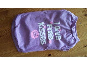 Free-kisses tshirt. 35 i rygg - Umeå - Free-kisses tshirt. 35 i rygg - Umeå