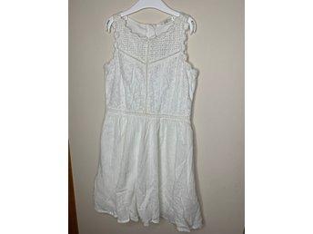 barnkläder vit klänning