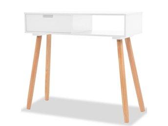 Javascript är inaktiverat. - Sk Venlo - Detta konsolbord har en enkel men stilig design. Det kommer att ge din inredning en rustik charm. Det är konstruerat i massiv furu och är väldigt robust och hållbart. Tack vare sin kompakta design kan du enkelt hitta en plats för vårt kon - Sk Venlo